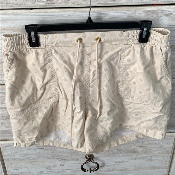 Cato Pants - Cato elastic waist shorts